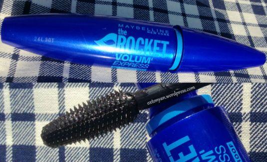 mascara maybelline rocket volume express