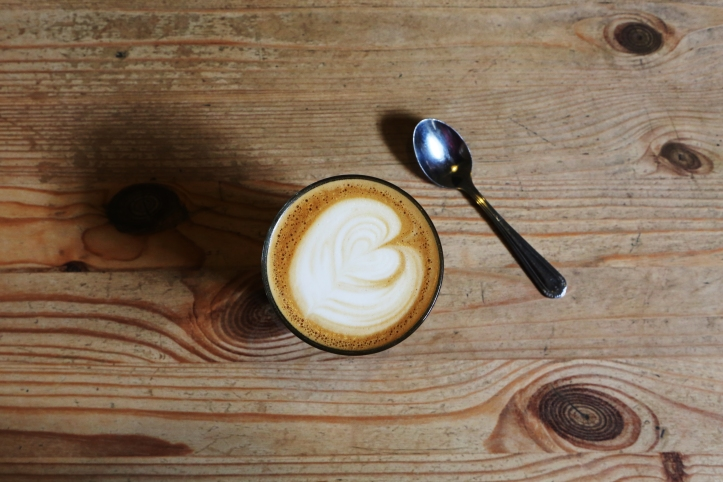 2015-09-Life-of-Pix-free-stock-photos-table-coffee-heart-leeroy