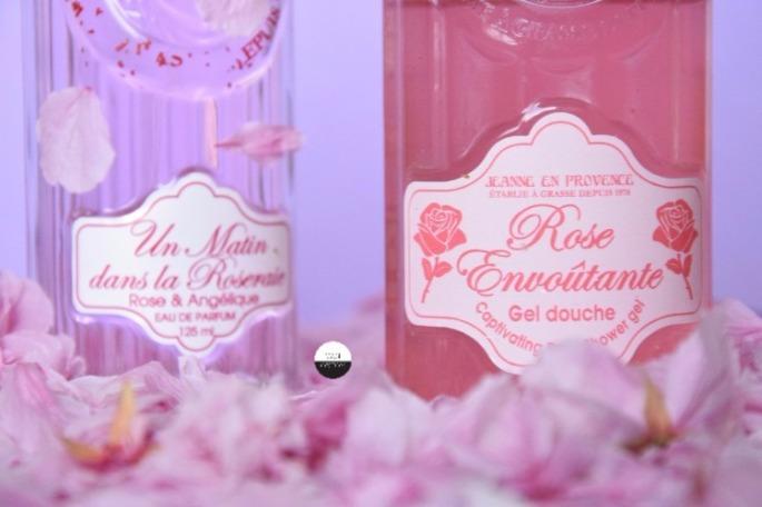jeanne-en-provence-revue-douche-eaudetoilette-rose-1