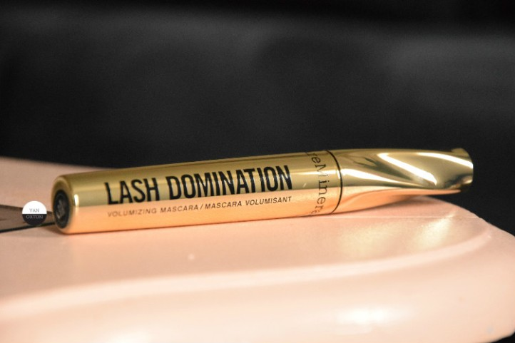 mascara-bareminerals-lash-domination-1